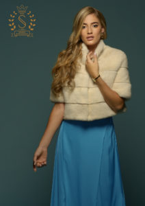 bunda od belog nerca, bele bunde za vencanje, krzno za vencanje, white mink fur coat for wedding